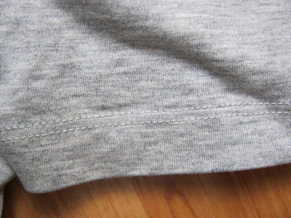 Качество строчного шва на футболках бренда Jack Jones.